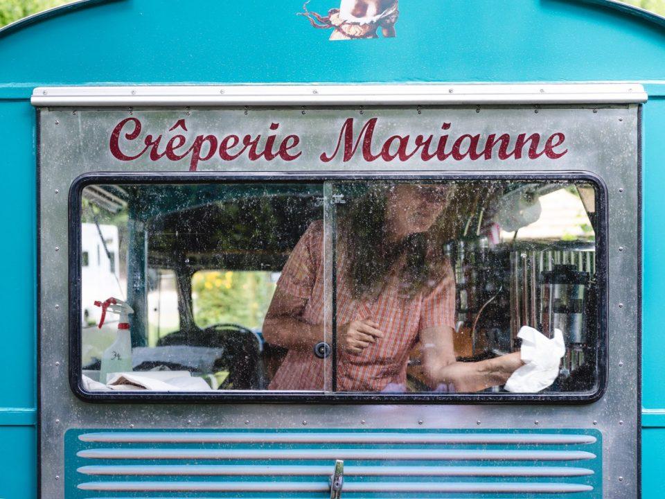 Marianne en su Creperie