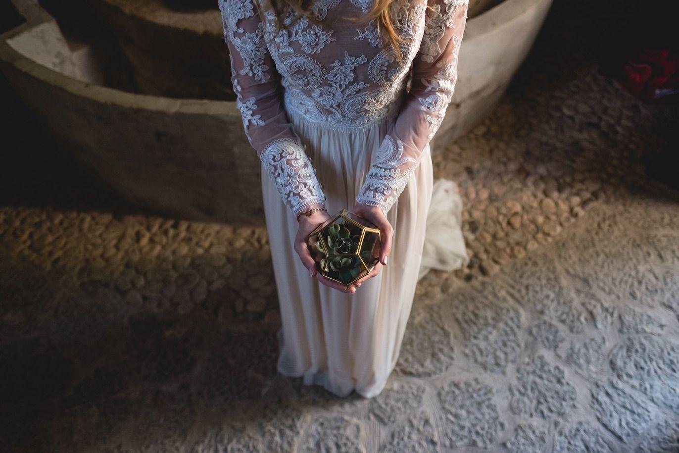 details alliances wedding in mallorca